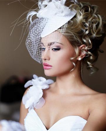 חתונה מצומצמת עקב הקורונה? האם גם השמלה שלך תהיה קטנה ופשוטה?