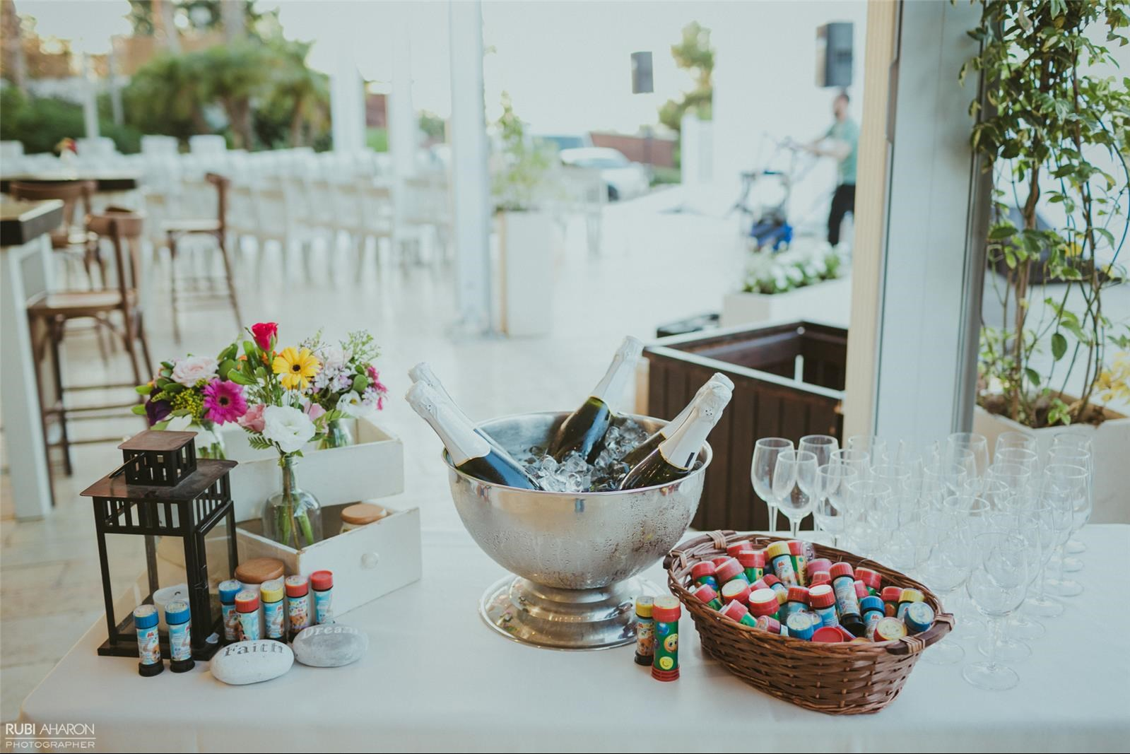 שורש העניין: 5 טיפים לחתונה בלתי נשכחת, מקום לחגוג, 5