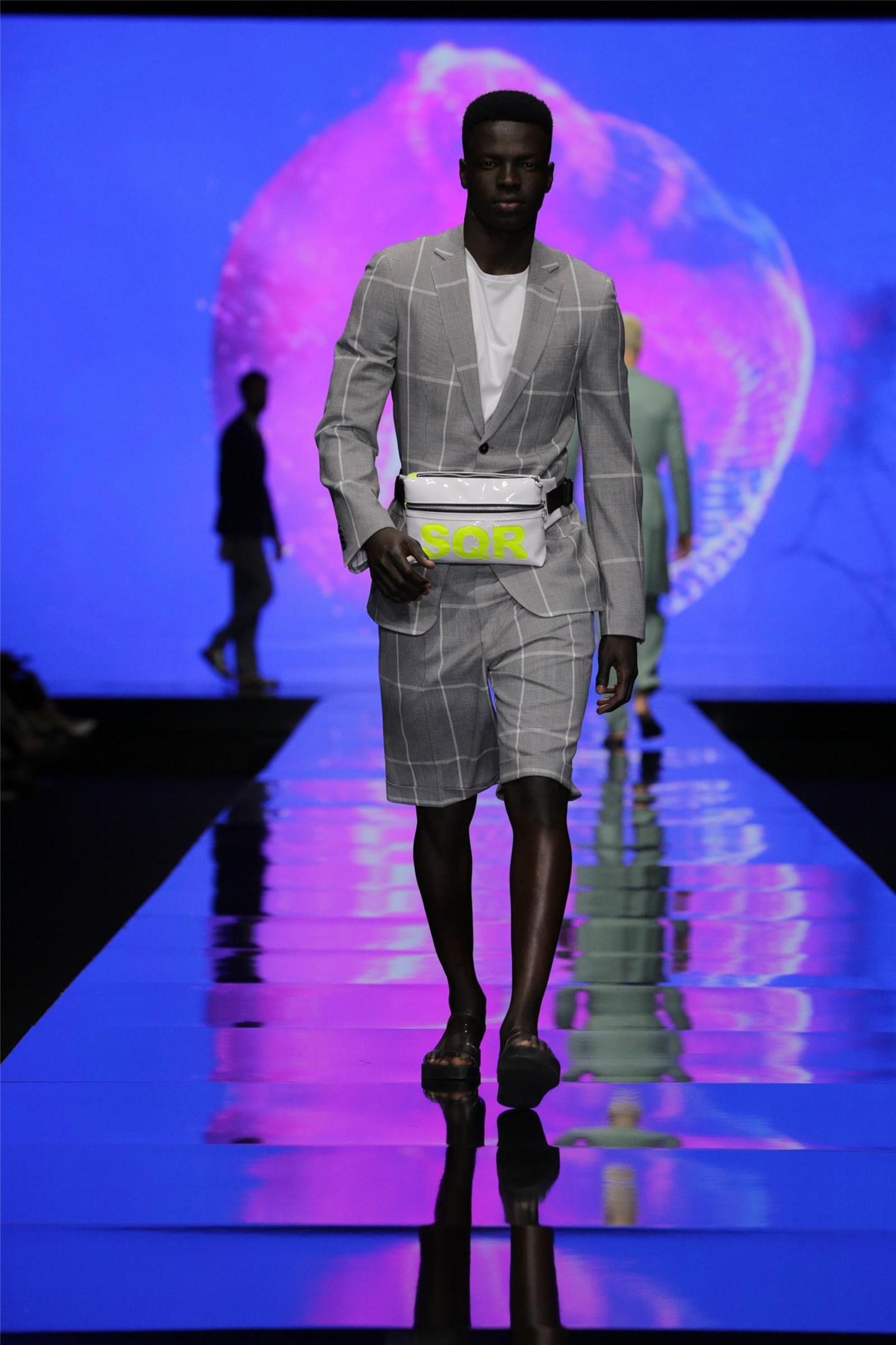 חליפה של באמוס (צילום: אבי ולדמן)