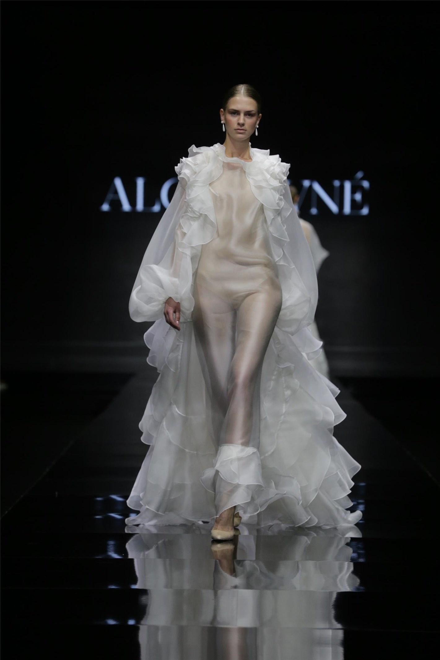 שמלת כלה של אלון ליבנה (צילום: אבי ולדמן)