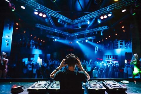 22 DJ: מלך רחבת הריקודים הבלתי מעורער מדווח מהשטח, music, תמונה98