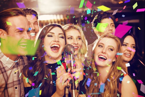 מעטים מול רבים: כל היתרונות של אירועים גדולים ואירועים קטנים, מסביב לחתונה, 5