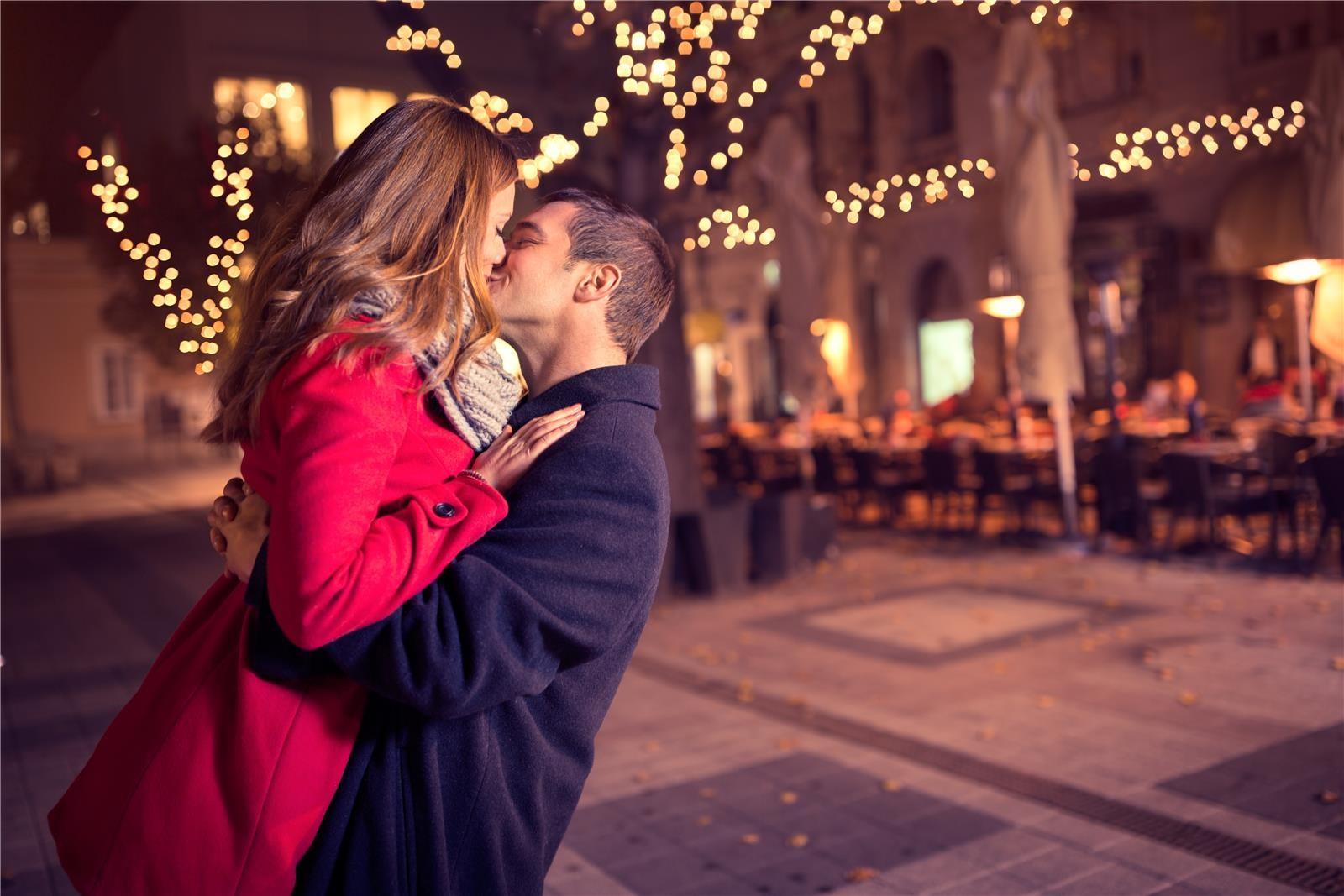 הצעת נישואים רומנטית (צילום: Shutterstock)