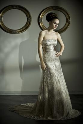 שמלת כלה בגוון ברונזה עדין