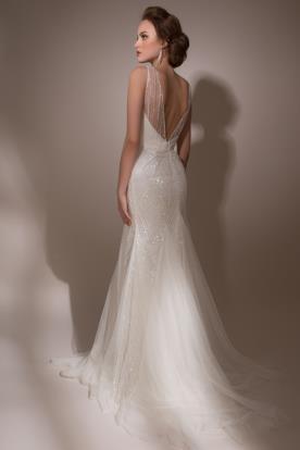 שמלת כלה: שמלת הוט קוטור, שמלת שיפון, שמלה בגזרה נשפכת, קולקציית 2015, שמלת וינטאז', שמלה בסגנון עדין, שמלה עם חרוזים, שמלת משי, שמלה עם שובל, שמלה עם גב חשוף, שמלה בצבע לבן, שמלה בצבע שמנת, שמלת מקסי - גולדי - בית אופנה שמלות כלה וערב