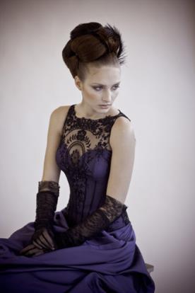 שמלת ערב שחור עם סגול
