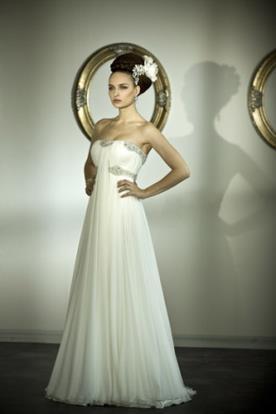 שמלת כלה בסגנון יווני עם כיווצים