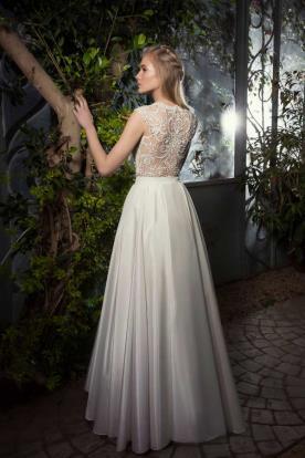 שמלת כלה בקישוט גב תחרה מיוחד