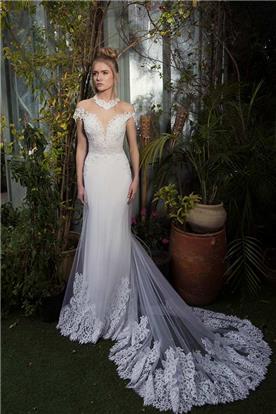 שמלת כלה עם חצאית בשילוב עיטורי תחרה יפים