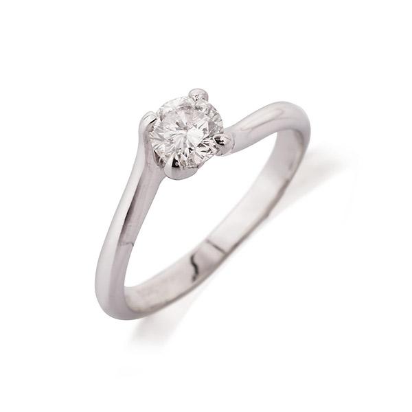 טבעת אירוסין סוליטייר אסימטרי עדין