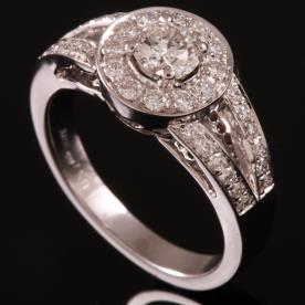 טבעת אירוסין עיגול מיהלומים