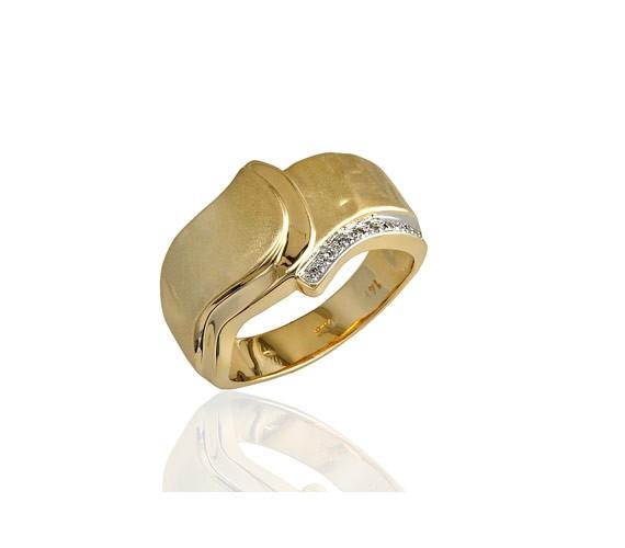 טבעת אירוסין שורת יהלומים