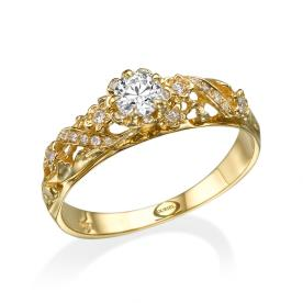 טבעת זהב עם פרח משובץ