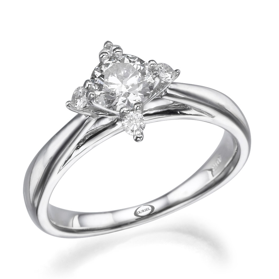 טבעת סוליטייר בסגנון מרשים
