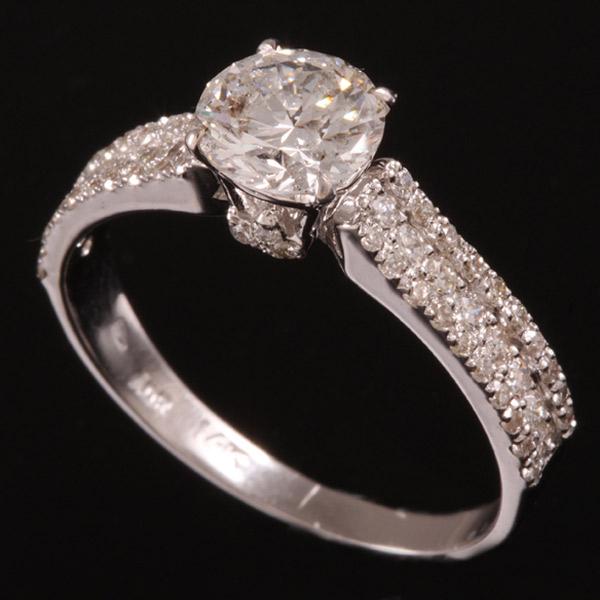 טבעת אירוסין יהלומים קטנים