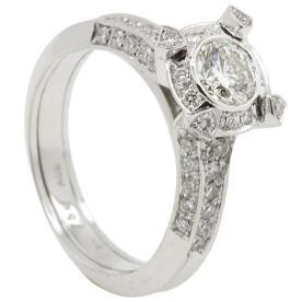טבעת אירוסין מוקפת יהלומים עדינים