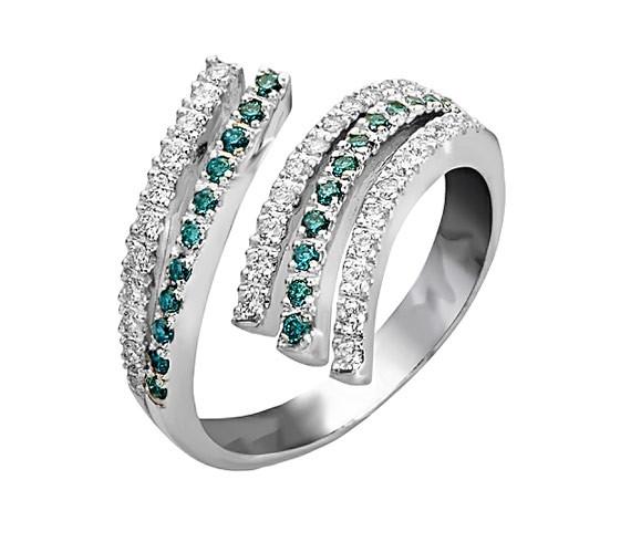 טבעת אירוסין עם שורת אמרלד