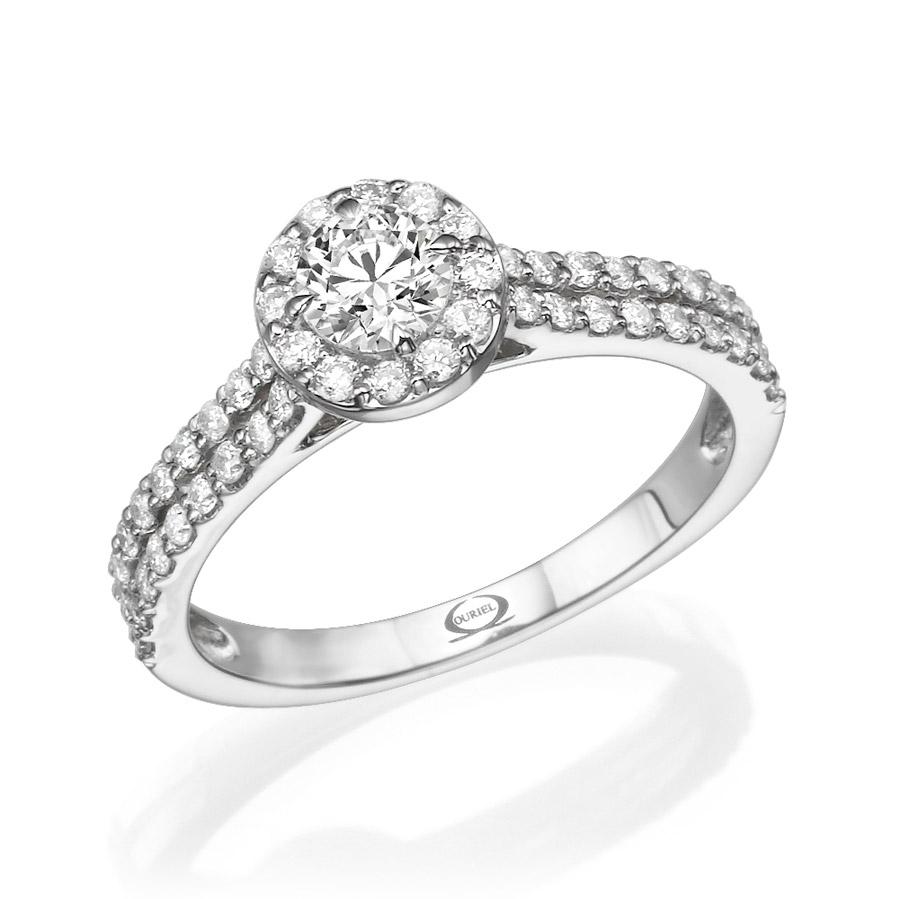 טבעת עם יהלומים קטנים משובצים