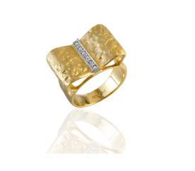 טבעת אירוסין טור יהלומים