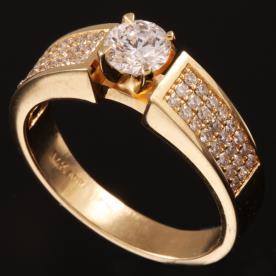 טבעת אירוסין יהלום נמוך
