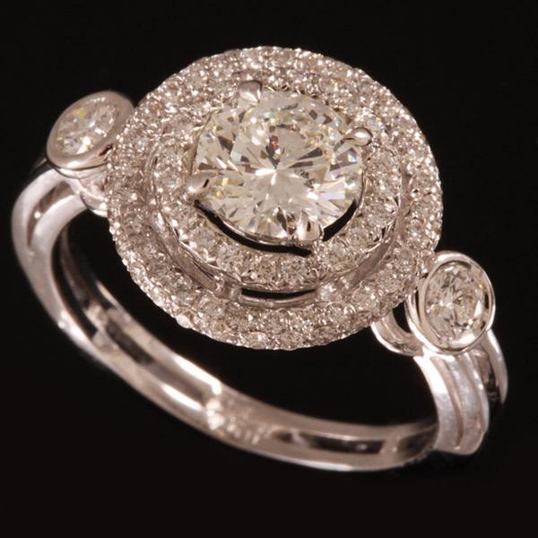 טבעת אירוסין עיגולים יהלומים גדול