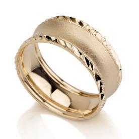טבעת נישואין זהב קצוות מרוקעים