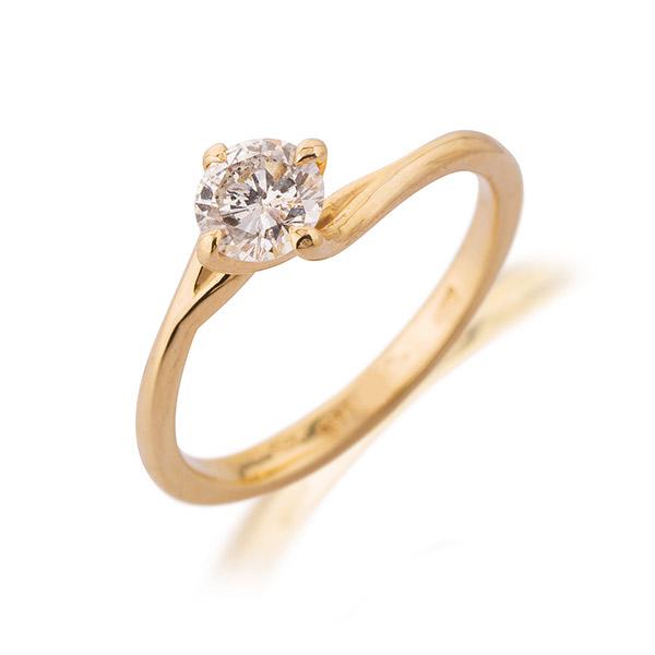 טבעת אירוסין זהב אסימטרי עדין