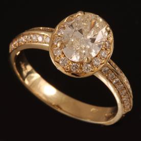 טבעת אירוסין יהלום גדול אילפטי
