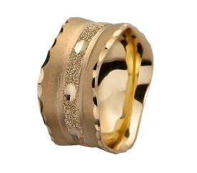 טבעת נישואין רחבה עם הטבעות