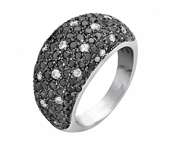 טבעת חותם או נישואין יהלומים
