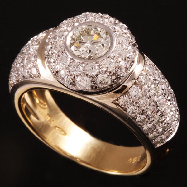 טבעת אירוסין מזהב עם יהלום עגול