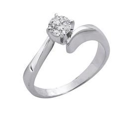 טבעת אירוסין סוליטר אסימטרית