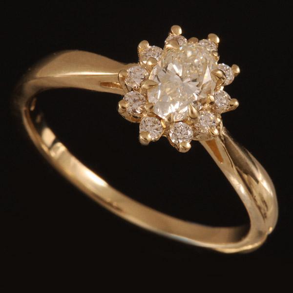 טבעת אירוסין יהלום פרחוני