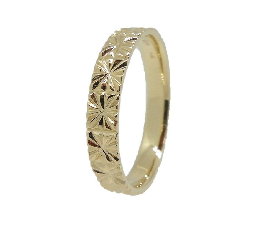 טבעת עדינה עם דוגמא