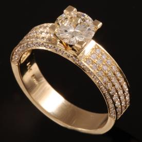 טבעת אירוסין שורות יהלומים זהב