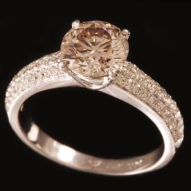 טבעת אירוסין זהב לבן משובץ