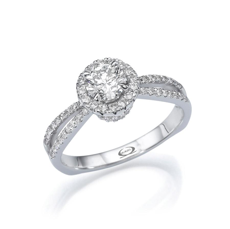 טבעת סוליטייר רחבה מרשימה