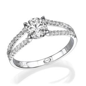 טבעת אירוסין שורות יהלומים קטנים