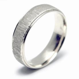טבעת נישואין עדינה פסי אורך