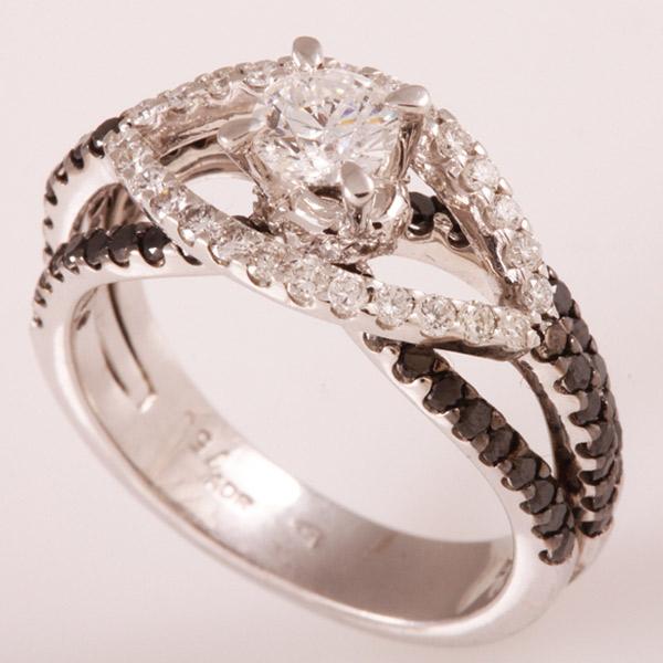 טבעת אירוסין יהלום לבן ושחור
