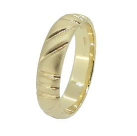 טבעת עדינה עם חריטות