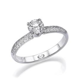 טבעת אירוסין צרה יהלום מרכזי