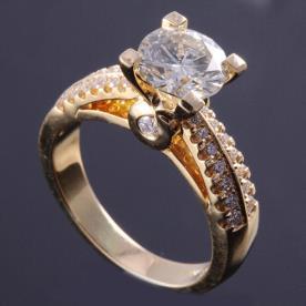 טבעת אירוסין בזהב גשר יהלומים
