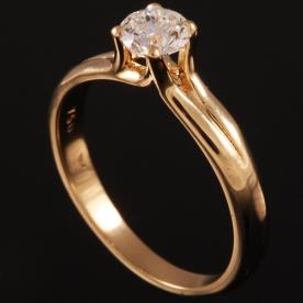 טבעת אירוסין יהלום מוגבה