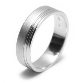 טבעת נישואין זהב לבן עם פס