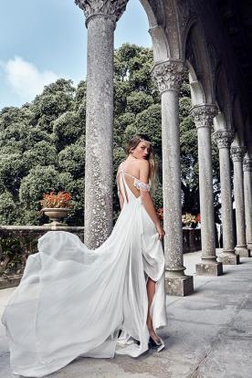 שמלת כלה בעיצוב מרשים ומיוחד