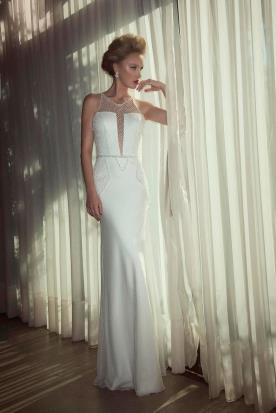 שמלת כלה חגורת פנינים