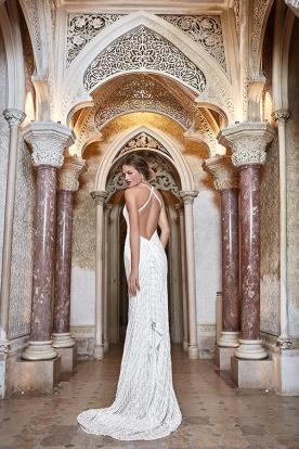 שמלת כלה אלגנטית עם גב חשוף