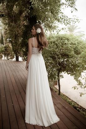 שמלת כלה מחורזת וחצאית רחבה