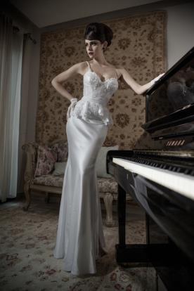 שמלת כלה חרוזים וסאטן פפלום